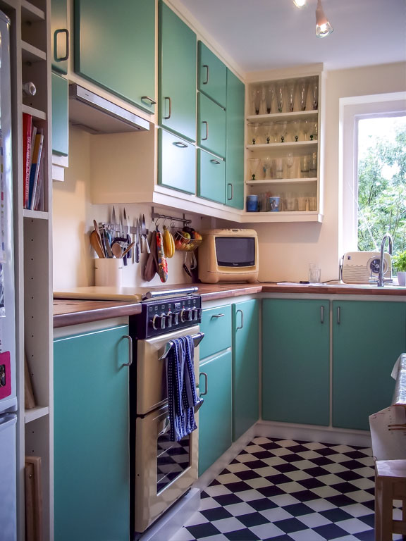 retro bespoke kitchen